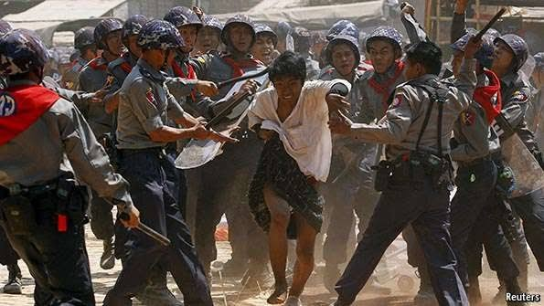 Many killed in bloodiest day of protest in Myanmar