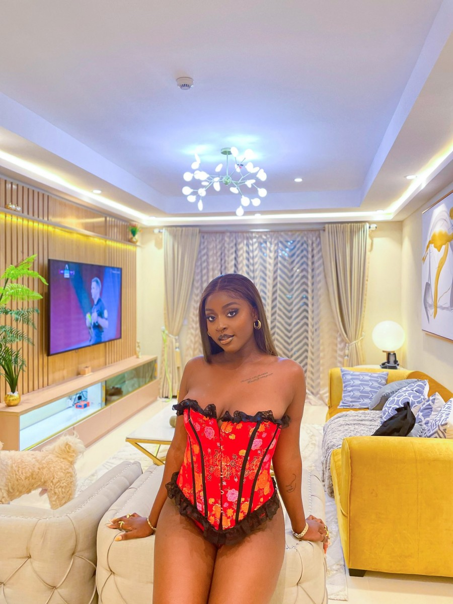 """""""My Landlord Served Me A Quit Notice Because He Has Issue With My Mode Of Dressing"""" – Says Nigerian Woman"""