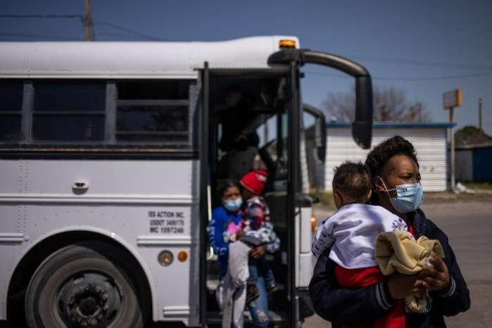 Migration raises tension in Texas border town