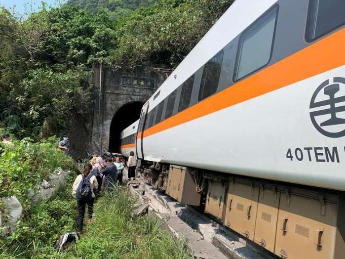 Taiwan continues to identify victims after train accident