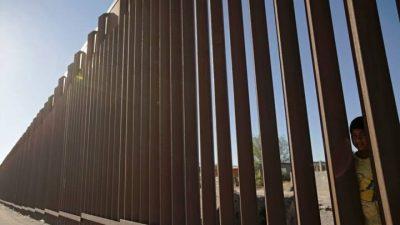 Pentagon halts Trump border wall